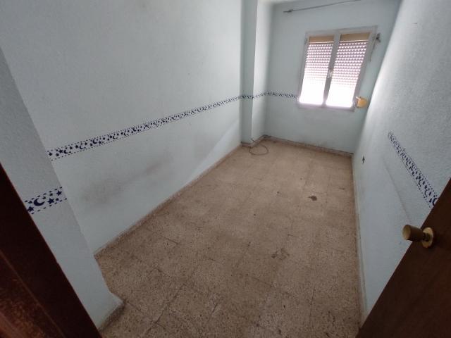 Piso en venta en Andújar, Jaén, Calle Jorge Guillen, 37.000 €, 3 habitaciones, 1 baño, 93 m2