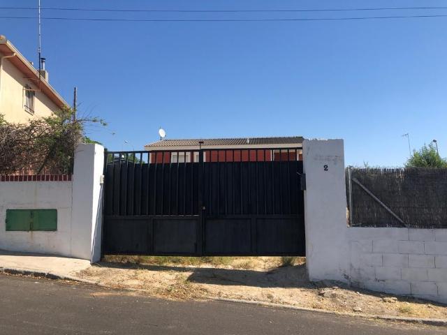 Casa en venta en Colmenar de Oreja, Madrid, Calle del Nogal, 95.000 €, 146 m2