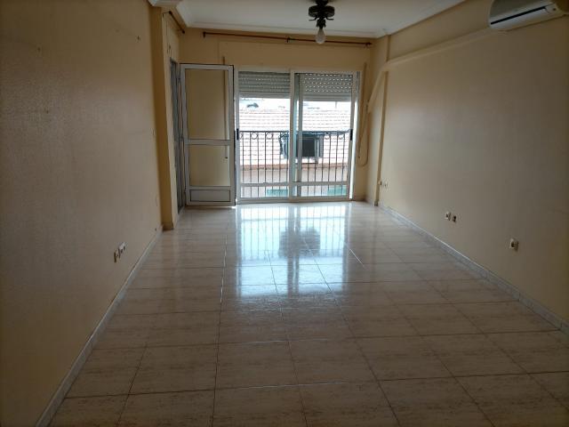 Piso en venta en Lo Pagán, San Pedro del Pinatar, Murcia, Calle Alcalde Julio Albaladejo, 87.100 €, 4 habitaciones, 2 baños, 160 m2