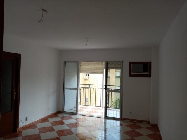 Piso en venta en Distrito Norte, Sevilla, Sevilla, Calle Carpinteros, 78.900 €, 3 habitaciones, 1 baño, 83 m2