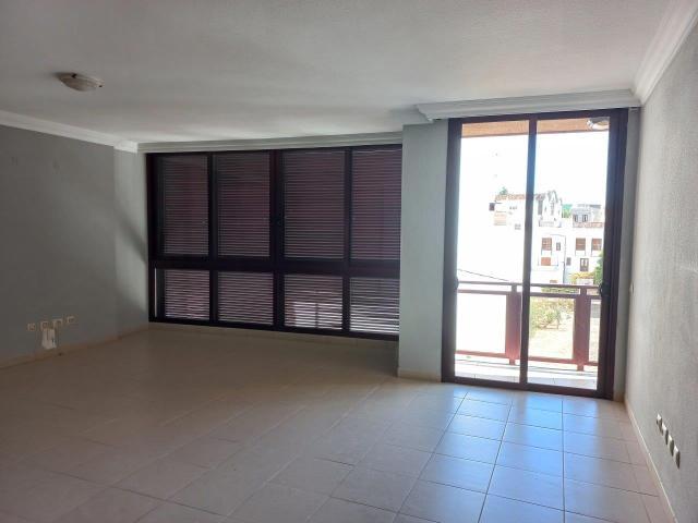 Piso en venta en Chogo, Güímar, Santa Cruz de Tenerife, Calle Pablo Iglesias, 174.500 €, 4 habitaciones, 2 baños, 144 m2