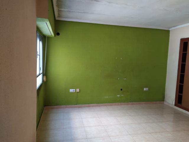 Piso en venta en Piso en Burjassot, Valencia, 70.288 €, 3 habitaciones, 1 baño, 84 m2