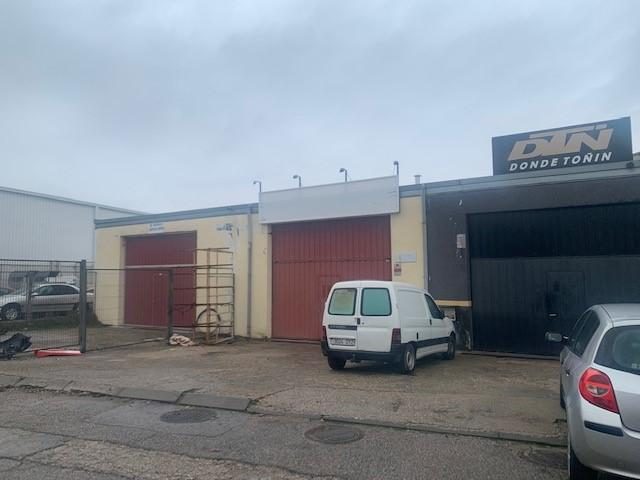 Industrial en venta en Sevilla la Nueva, Madrid, Calle del Rey, 250.000 €, 540 m2