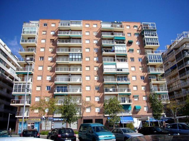 Piso en venta en Gran Alacant, Santa Pola, Alicante, Avenida Jesus Astondoa Santamaria, 87.000 €, 3 habitaciones, 1 baño, 77 m2
