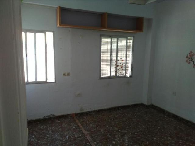 Piso en venta en Piso en Almería, Almería, 37.700 €, 3 habitaciones, 1 baño, 87 m2
