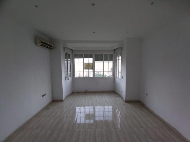 Piso en venta en Los Albarizones, Jerez de la Frontera, Cádiz, Calle Armas, 60.400 €, 2 habitaciones, 1 baño, 68 m2