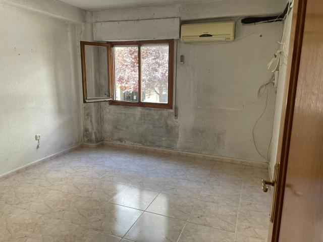 Piso en venta en Piso en Parla, Madrid, 94.400 €, 3 habitaciones, 1 baño, 77 m2