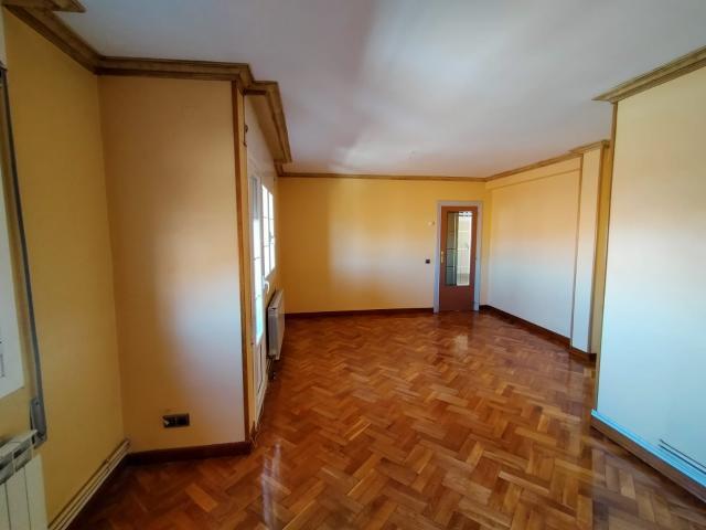 Piso en venta en Corella, Corella, Navarra, Calle Tudela, 79.000 €, 3 habitaciones, 1 baño, 111 m2