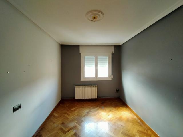 Piso en venta en Piso en Corella, Navarra, 79.000 €, 3 habitaciones, 1 baño, 111 m2