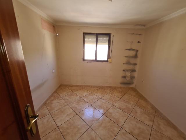 Piso en venta en Piso en Lora del Río, Sevilla, 35.000 €, 2 habitaciones, 1 baño, 50 m2