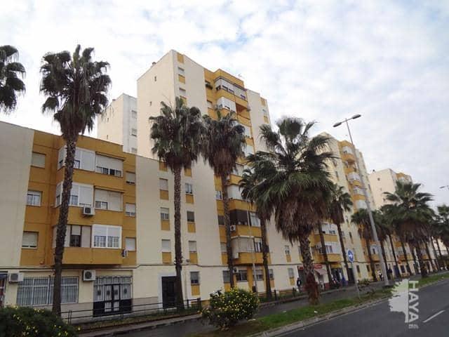 Piso en venta en Huelva, Huelva, Avenida Nuevo Colombino, 73.000 €, 3 habitaciones, 1 baño, 77 m2