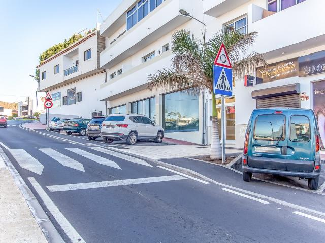 Local en venta en Valle de San Lorenzo, Arona, Santa Cruz de Tenerife, Carretera General Tf-66, 255.000 €, 230 m2