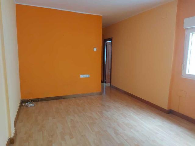 Piso en venta en Las Campas Y San Claudio, Oviedo, Asturias, Calle Arquitecto Tioda, 45.000 €, 3 habitaciones, 1 baño, 84 m2