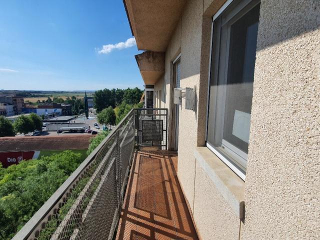 Piso en venta en Piso en Figueres, Girona, 99.000 €, 3 habitaciones, 1 baño, 83 m2