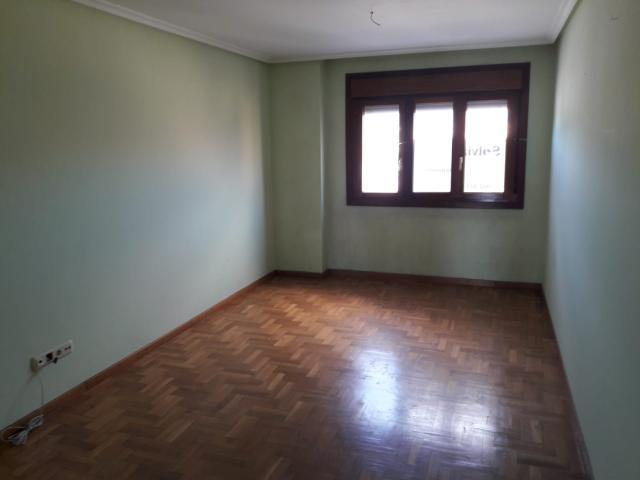 Piso en venta en Soto del Barco, Asturias, Calle Pre la Magdalena, 99.000 €, 86 m2