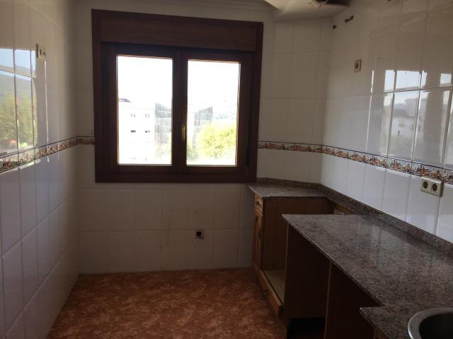 Piso en venta en Piso en Soto del Barco, Asturias, 99.000 €, 86 m2