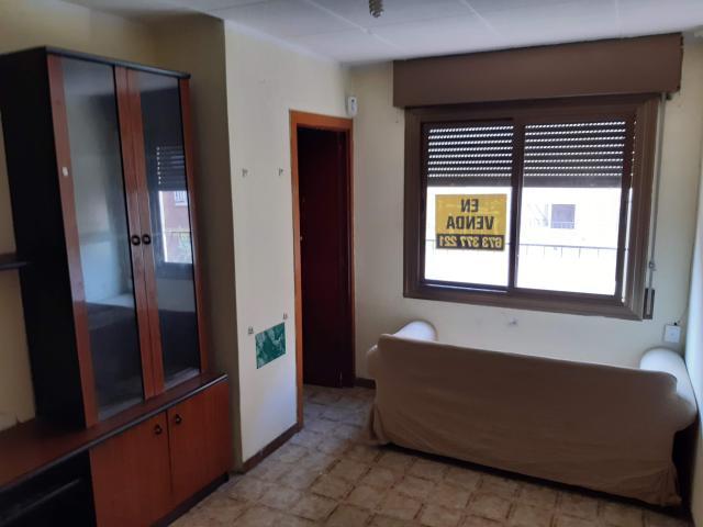 Piso en venta en Piso en L` Hospitalet de Llobregat, Barcelona, 84.900 €, 3 habitaciones, 1 baño, 56 m2