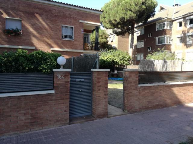 Casa en venta en Torre Gavá, Gavà, Barcelona, Calle Autovía de Castelldefels, 530.000 €, 4 habitaciones, 3 baños, 200 m2