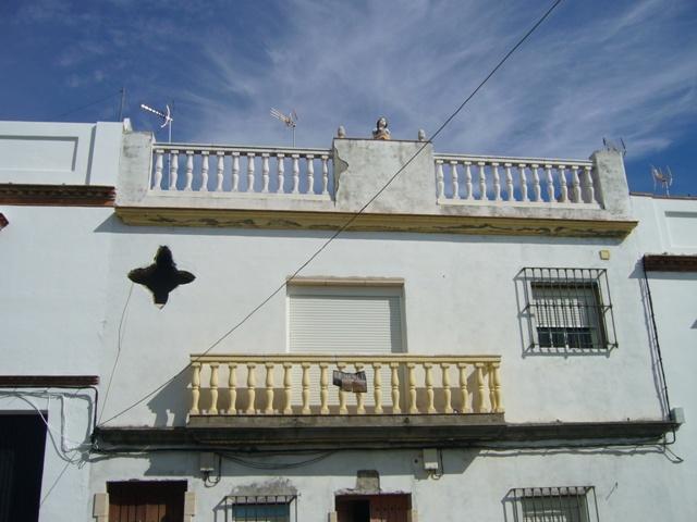Casa en venta en Casa en Carmona, Sevilla, 82.000 €, 105 m2