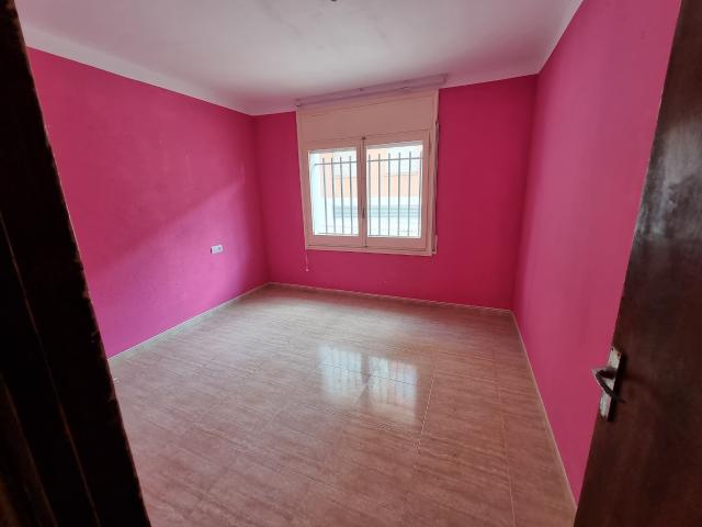 Piso en venta en Piso en Sarral, Tarragona, 54.300 €, 4 habitaciones, 1 baño, 92 m2