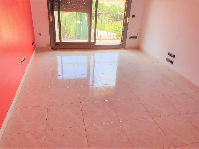 Piso en venta en La Llagosta, Barcelona, Calle Sant Pau, 113.300 €, 3 habitaciones, 1 baño, 71 m2