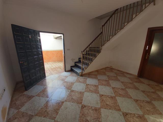 Casa en venta en Los Albarizones, Jerez de la Frontera, Cádiz, Calle Segura, 141.200 €, 5 habitaciones, 2 baños, 196 m2