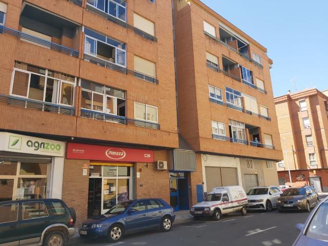 Piso en venta en El Pilar, Albacete, Albacete, Calle Manuel de Falla, 165.000 €, 3 habitaciones, 2 baños, 138 m2
