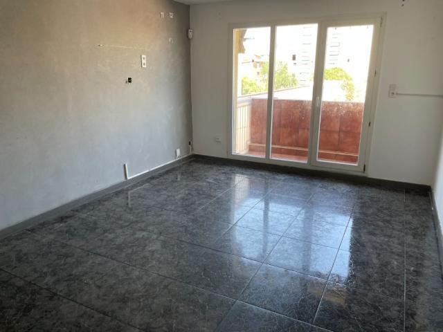 Piso en venta en Sabadell, Barcelona, Calle Aprestadors, 123.800 €, 3 habitaciones, 1 baño, 88 m2