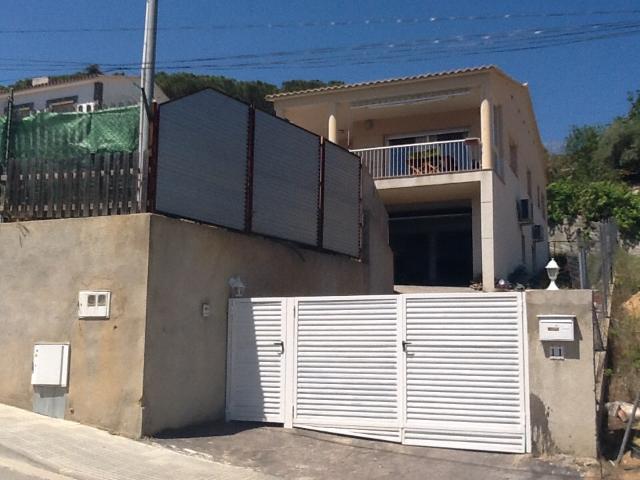 Casa en venta en Mas de Mora, Tordera, Barcelona, Calle Pedraforca, 295.000 €, 4 habitaciones, 2 baños, 257 m2