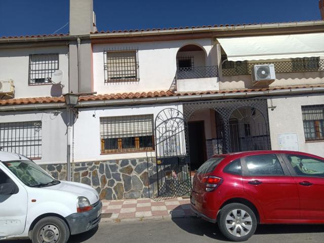 Casa en venta en Santa Juliana, Armilla, Granada, Calle Azorin, 90.000 €, 3 habitaciones, 2 baños, 120 m2