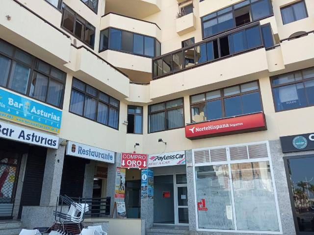 Piso en venta en Arrecife Centro, Arrecife, Las Palmas, Avenida Mancomunidad, 260.000 €, 4 habitaciones, 2 baños, 172 m2