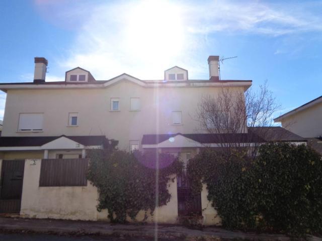 Casa en venta en Estación de El Espinar, El Espinar, Segovia, Calle Rio Alberche, 107.000 €, 3 habitaciones, 1 baño, 145 m2