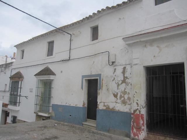 Piso en venta en Alcalá de los Gazules, Alcalá de los Gazules, Cádiz, Calle Arcipreste Roa, 62.000 €, 1 habitación, 1 baño, 141 m2