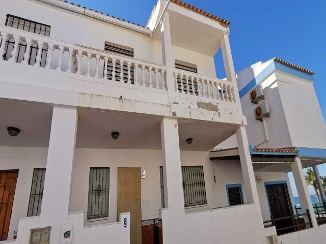 Casa en venta en 1ª Fase, Almonte, Huelva, Urbanización Caño Guerrero, 135.000 €, 4 habitaciones, 3 baños, 110 m2