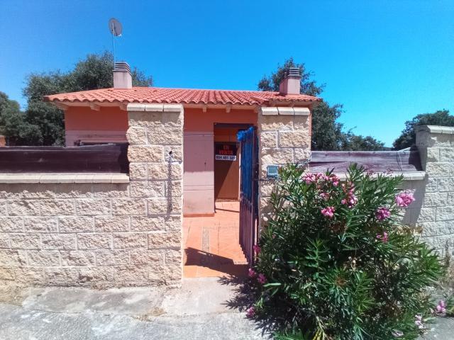 Casa en venta en Urbanización Montejaral, Loranca de Tajuña, Guadalajara, Calle Encinar, 59.000 €, 60 m2