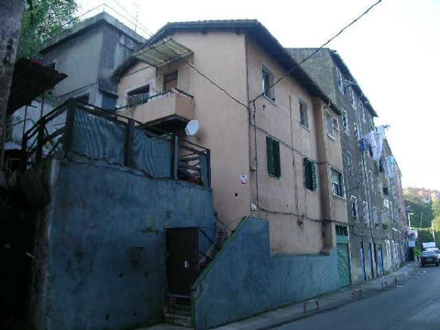 Piso en venta en Piso en Barakaldo, Vizcaya, 46.000 €, 2 habitaciones, 2 baños, 66 m2