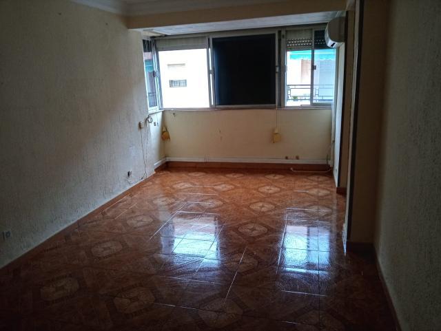 Piso en venta en Huelva, Huelva, Calle Fermin Requena, 75.000 €, 3 habitaciones, 1 baño, 67 m2