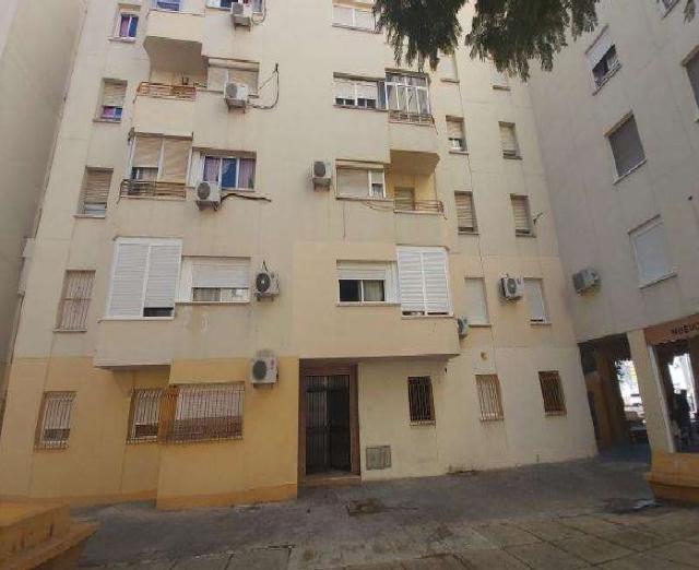 Piso en venta en Jerez de la Frontera, Cádiz, Plaza Doctor José Ortega Mateos, 52.500 €, 4 habitaciones, 2 baños, 104 m2