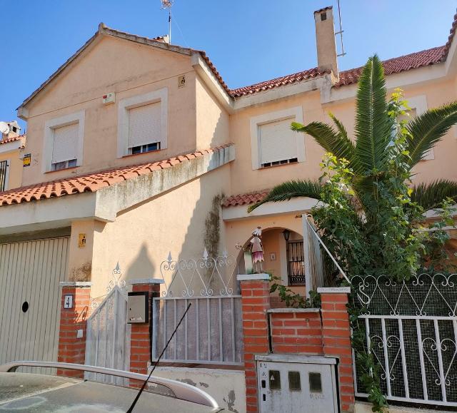 Piso en venta en Cabañas de la Sagra, Cabañas de la Sagra, Toledo, Calle Alonso Cobarrubias, 99.000 €, 143 m2