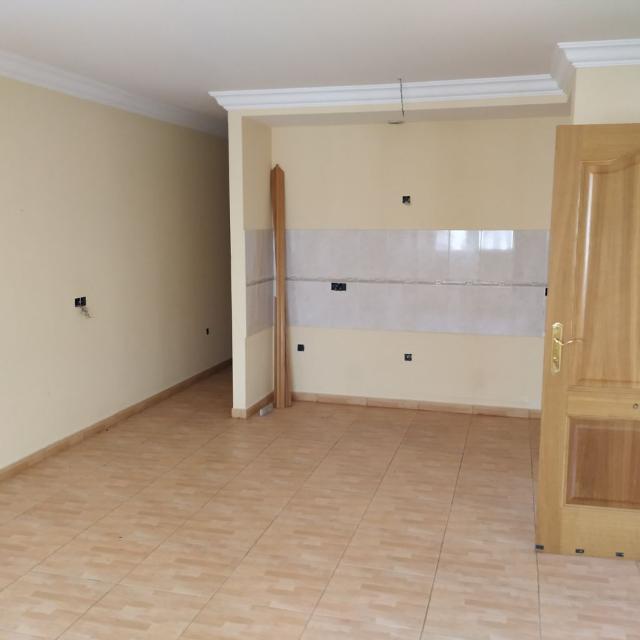 Piso en venta en Piso en Puerto del Rosario, Las Palmas, 79.100 €, 3 habitaciones, 1 baño, 85 m2