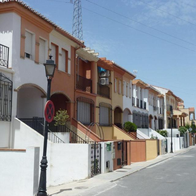 Casa en venta en Casa en la Gabias, Granada, 107.000 €, 3 habitaciones, 2 baños, 178 m2