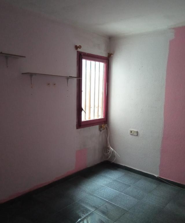 Piso en venta en Piso en Reus, Tarragona, 47.500 €, 67 m2