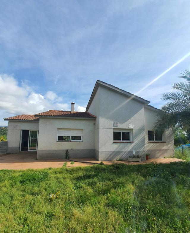 Casa en venta en Can Salvà, Riells I Viabrea, Girona, Calle Turo D`en Berenguer, 189.000 €, 4 habitaciones, 2 baños, 177 m2