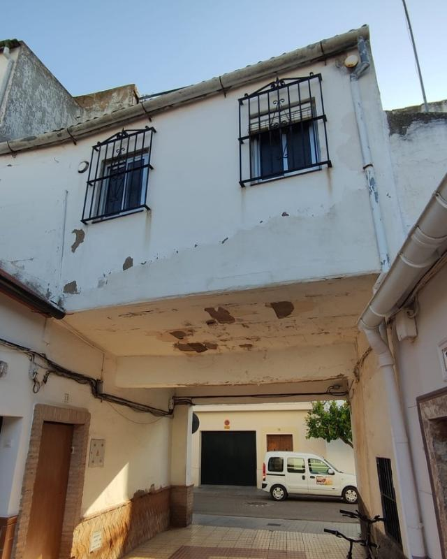 Piso en venta en Palma del Río, Córdoba, Calle Belen, 58.700 €, 3 habitaciones, 1 baño, 117 m2