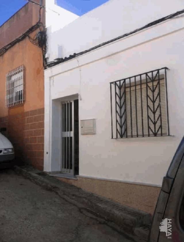 Casa en venta en Chiclana de la Frontera, Cádiz, Calle Victorio Macho, 72.000 €, 5 habitaciones, 1 baño, 179 m2