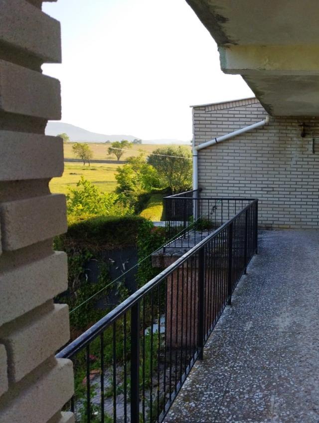 Casa en venta en Casa en Merindad de Cuesta-urria, Burgos, 83.700 €, 2 habitaciones, 1 baño, 187 m2