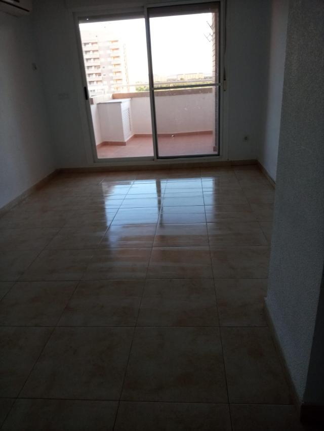 Piso en venta en Piso en Oropesa del Mar/orpesa, Castellón, 89.800 €, 2 habitaciones, 1 baño, 96 m2, Garaje