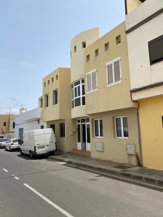 Piso en venta en Arrecife, Las Palmas, Calle Regulo, 79.000 €, 2 habitaciones, 1 baño, 72 m2