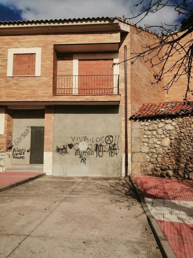 Edificio en venta en Edificio en Candeleda, Ávila, 1.113.000 €, 2055 m2