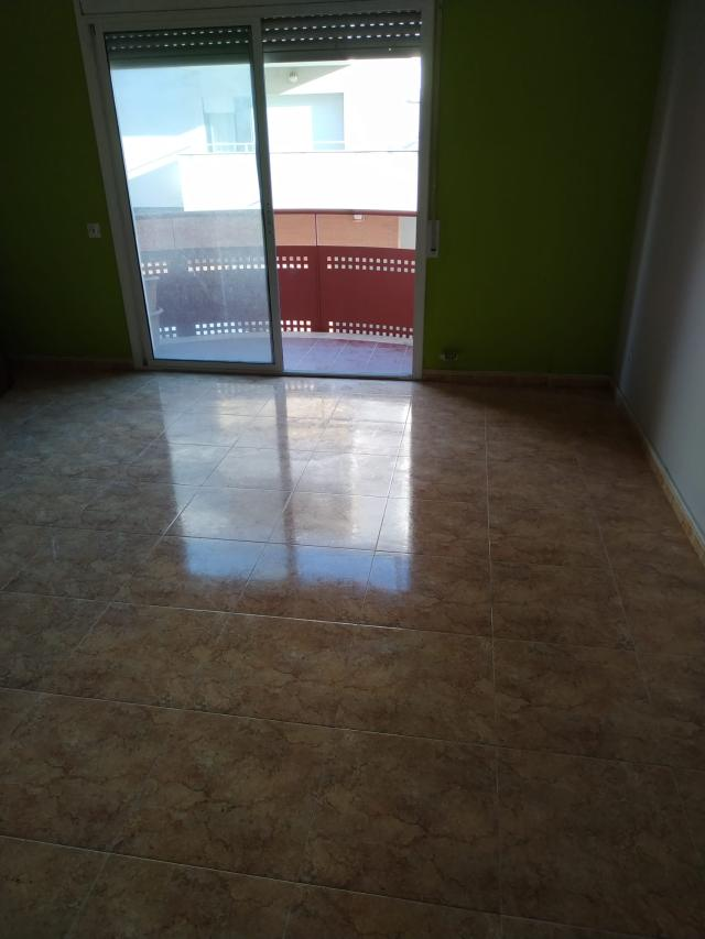 Piso en venta en Piso en Vila-seca, Tarragona, 118.800 €, 3 habitaciones, 2 baños, 93 m2, Garaje